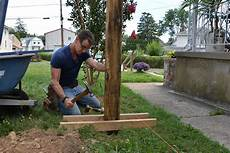 Build A Fence Setting Fence Posts Plumb And
