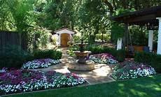 Mediterraner Garten Ideen - stunning mediterranean garden designs