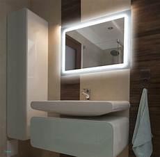 badezimmerle mit steckdose sch 246 ne beleuchteter spiegel mit steckdose badezimmer von