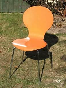 relooker une chaise relooker une chaise en bois bricobistro