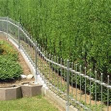 zaunsysteme aus metall aluminium und edelstahl zaun