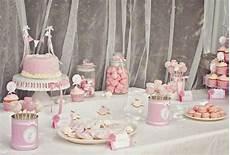theme anniversaire 1 an decoration de table anniversaire 1 an