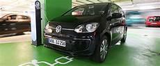 gebrauchte e autos was beim kauf beachten sollte adac