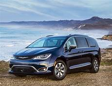 chrysler pacifica chrysler pacifica in hybrid minivan starts at 39 995 goes 30 on battery drive