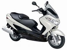 2010 suzuki an burgman 125 scooter pictures specifications