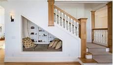 Regale Unter Treppe - kreative treppen ideen f 252 r elegante raumgestaltung und