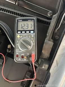 autobatterie golf 6 autobatterie 7 jahre alt welche spannung ok vw golf 6