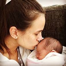 alana baby former bachelor alana wilkie gives birth to a baby