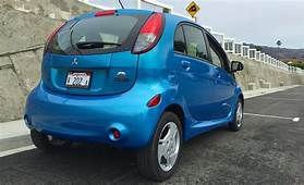 2014 Mitsubishi I MiEV Review – Good Things Come In Small