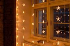 weihnachtsbeleuchtung innen weihnachtsbeleuchtung f 252 r hohe fenster oder terrassent 252 ren