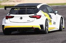 Opel Astra Tcr - opel astra tcr looking during pre season tests w