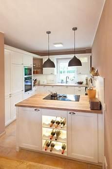 moderne kleine küchen moderne landhauskueche wei 223 klassisch holz kueche