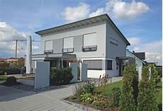 Einfamilienhaus Mit Pultdach Und Anbau M 246 Rth