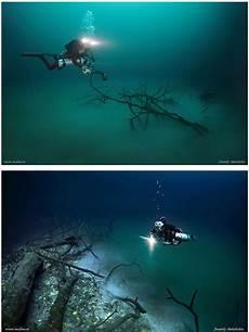 Sungai Yang Tersembunyi Di Dalam Dasar Laut 7 Gambar