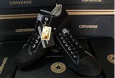 Gambar Sepatu Converse Hitam Polos Gambar Sepatu