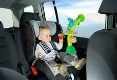 lange autofahrt mit baby geschrei im auto was tun kleinkind gruppe babycenter