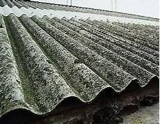 toit en fibrociment le metier de couvreur toit en amiante danger