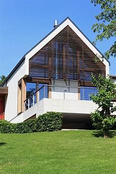 modernes holzhaus satteldach modernes haus bauen lassen fertighaus glas