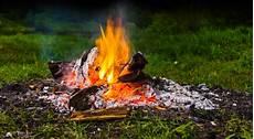 Offenes Feuer Im Garten Kleinster Mobiler Gasgrill