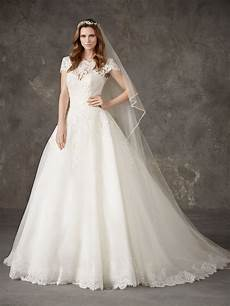 princess wedding dress with cap sleeves and bateau