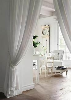gardinen als raumteiler die rolle der raumtrenner im offenen wohnraum shabby