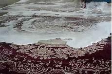 pulire tappeto con bicarbonato pulire tappeto bicarbonato infissi bagno in bagno