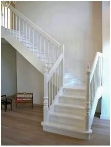 treppe holz weiß holz wangentreppe typ hw03 holz wangentreppe mit