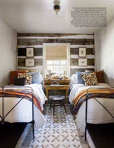 Two Boys Bedroom Ideas For Small Rooms by Bedroom With Two Beds Idea For A Shared Bedroom Desk