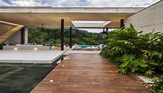 Modern Country Home Colombia Adorns Landscape Refreshing Design