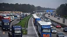 Metropolregion Nach Lkw Unfall In A6 Baustelle Weitere