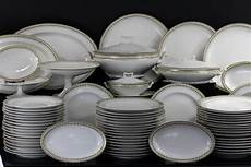 Service Porcelaine Blanche Design En Image