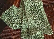 Einfaches Lochmuster Stricken - ravelry easy lace scarf pattern by clara parkes