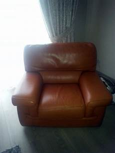 renovation canapé cuir r 201 novation de mes canap 201 s en cuir marron sofolk