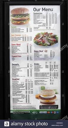 Mcdonalds Happy Meal Preis - mcdonalds fast food restaurant breakfast menu stock photo