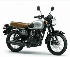 Kawasaki W175 Se Modifikasi by 4 Pilihan Warna Kawasaki W175 2018 Tipe Standar Dan Se