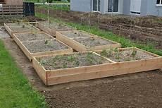 bac pour arbuste de jardin bac en bois pour jardin mobilier de jardin sur