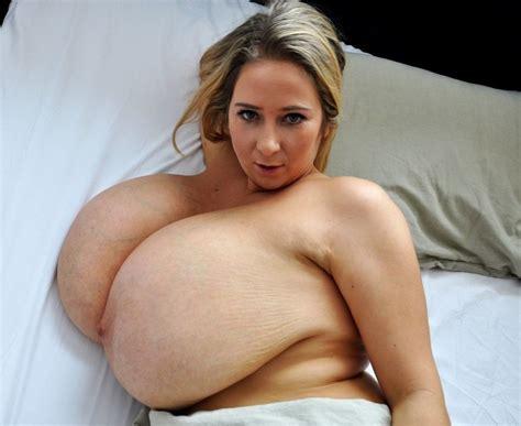 Chelsea Wilde Nude
