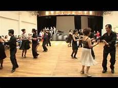danse de salon d 233 monstration cours de danse cha cha cha avec le groupe