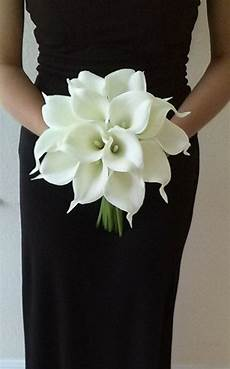 white calla lily bridal bouquet with calla lily