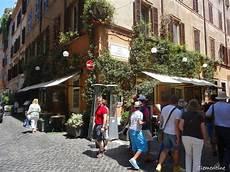 via delle carrozze roma le de clementine rome juin 2013 centre historique