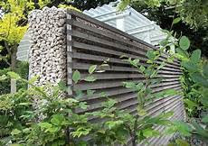 Sicht Und Schallschutz Im Garten - betonmauer mit holzverkleidung garten gartentor