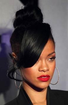 Rihanna Pin Up Hairstyle