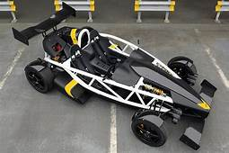 アリエルから、550kgの車体に350hpのホンダ製エンジンを搭載する「アトム 35R」が登場