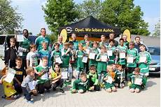 Tolle Premiere Des Opel Family Cup In Massen