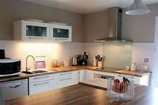 cuisine blanc laqué ikea cuisine ikea bois et blanc meuble cuisine blanc cuisine