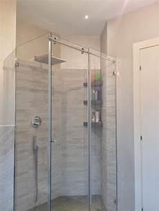 lade da bagno a soffitto una mansarda con dislivello progetto in 3d e foto della