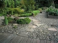 Gartengestaltung Steine Vorgarten - garden design gravel wood the journalist quot it s