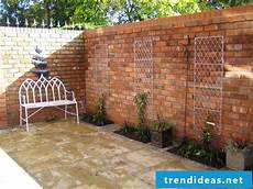 Construct Backyard Wall Of Bricks Your Self Directions