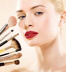 16 astuces maquillage pour se faciliter la vie