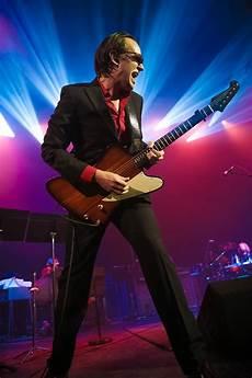 drive blues guitarist joe bonamassa motor trend